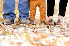 Fall Family Photos  #trueexpressions #mnphotographer #fallfamilyphotos #leaves