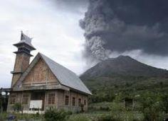 Indonesian Volcano Spits Powerful Burst of Ash - http://earthchangesmedia.com/indonesian-volcano-spits-powerful-burst-of-ash