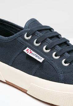 Leichter Sneaker für sommerliche Anlässe! Superga COTU CLASSIC - Sneaker low - navy für 59,95 € (14.03.17) versandkostenfrei bei Zalando bestellen.