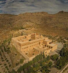 Deyrulzafaran monastery,   ܕܝܪܐ ܕܡܪܝ ܚܢܢܝܐ; ,The Monastery of St. Ananias / Mardin TURKEY World's Most Beautiful, Beautiful Places To Visit, Republic Of Turkey, Religious Architecture, Turkey Travel, Kurdistan, Home History, Ottoman Empire, Central Asia
