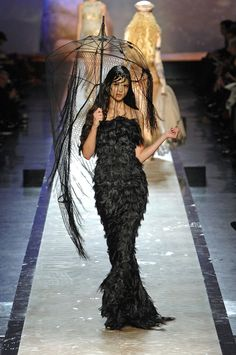 Jean Paul Gaultier Spring 2008 Couture - Runway Photos - Fashion Week - Runway, Fashion Shows and Collections - Vogue Haute Couture Dresses, Style Couture, Couture Fashion, Runway Fashion, Fashion Beauty, Jean Paul Gaultier, Paul Gaultier Spring, Dark Fashion, High Fashion