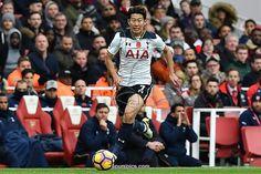 Tottenham Hotspur's South Korean striker Son Heung-Min runs at goal during the English Premier League football match between Arsenal and Tottenham Hotspur at the Emirates Stadium in London on November 6, 2016