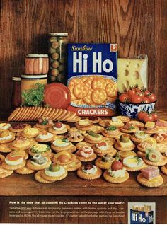 Sunshine Hi Ho Crackers Vintage Ads Food, Vintage Advertisements, Retro Ads, Retro Food, Retro Recipes, Vintage Recipes, Hi Ho Crackers, 1960s Food, Salty Snacks