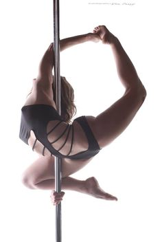 """#Pole Picture of the Day: """"The Hummingbird"""" by Bad Kitty Brand Ambassador Charlee Shae Wagner captured by Photography