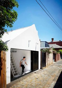 Colorful Home in Australia is Part Modern, Part Rustic - http://freshome.com/colorful-home-Australia/