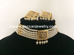 Dual hyderabadi indian choker / short necklace with square pendant and earrings in jadau style - Deccan Pearls and Jewellery Horseshoe Necklace, Gold Choker Necklace, Pearl Choker, Short Necklace, Necklace Set, Gold Earrings, Hyderabadi Jewelry, Gold Temple Jewellery, Antique Jewellery Designs