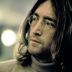 John Lennon...A true poet of life and seeker of world peace People, people #JohnLennon #TheBeatles #Beatles                                                                                                                                                                                 Más