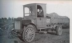 Kuvahaun tulos haulle vanha valokuva auto Antique Cars, Monster Trucks, Antiques, Vehicles, Vintage Cars, Antiquities, Antique, Car, Old Stuff
