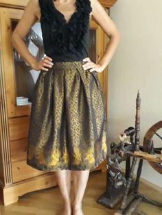 Trachtenrock Hirsch gold von ETIdesign auf Etsy Leopard Pattern, Summer Dresses, Formal Dresses, Pleated Skirt, Looks Great, Deer, Modern Design, Prom, Costumes