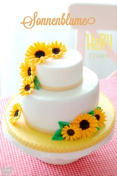 sunflower cake with tutorial  http://www.pinksugar-kessy.de/2013/09/sonnenblumen-torte.html