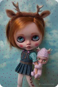 ♡ meet little girl Bambina, she lives in a deer world and never leaves behind her living dolly Petita.  she has been fully customized from a RBL
