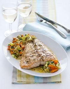 Cerchi un secondo di pesce facile e sfizioso? Con la guida passo a passo di Sale&Pepe portare in tavola il salmone al forno è un gioco da ragazzi, prova!