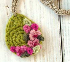 crochet pendant necklace