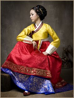People of the World, Hanbok, South Korean Dress, traditional Korean Hanbok, Korean Dress, Korean Outfits, Korean Traditional Dress, Traditional Dresses, Textiles, Italian Girls, Folk Costume, People Of The World