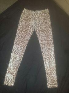 Leopard print leggings