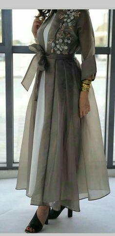 Trendy Fashion Design Hijab Maxi Dresses L'image contient peut-être : une personne ou plus New Arrival Skirt, Street Style Indian Fashion Dresses, Abaya Fashion, Muslim Fashion, Modest Fashion, Dress Fashion, Mode Abaya, Mode Hijab, Modest Dresses, Stylish Dresses