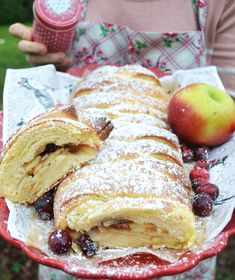 Oh wonderful Christmas time! Danish apple with cardamom - Dänischer kuchen Apple Desserts, Easy Desserts, Dessert Recipes, Dessert Simple, Cocoa, Gateaux Cake, Alcohol Recipes, Brownie Cookies, Christmas Desserts