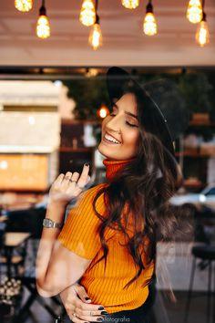 Portrait Photography Poses, Girl Photography, Fashion Photography, Coffee Shop Photography, Urban Fashion, Nike, Photoshoot, Female, Pretty