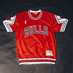 Mitchell & Ness 1987-88 Authentic Shooting Shirt (Away Bulls) $160