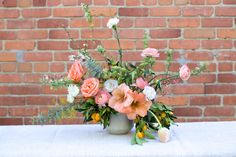 Lisa Przystup of James' Daughter came to LA and created a bright arrangement of spring florals inspired by the west coast!