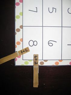 Blog Hoppin': Fast and Easy Centers with Clothes Pins