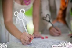 Mickey mouse bride and groom pens / Root Photography  Cute!!