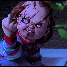 Erste Einblicke in den neuen Kinofilm mit der berühmten Mörderpuppe Chucky! Seht den ersten kurzen US Trailer zum 2017er Horrorstreifen Cult Of Chucky: Erster Horror-Trailer zu Chucky 7 ➠ https://www.film.tv/go/36102  #Chucky7 #CultofChucky #Horror