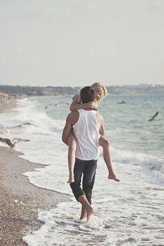 Besos a la orilla del mar www.valencianashock.com