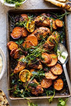 Sheet Pan Chicken Shawarma with Sesame Sweet Potatoes and Hummus – Kolay yemek Tarifleri Shawarma, Recipe Sheets, Half Baked Harvest, Cooking Recipes, Healthy Recipes, Cooking Tips, Lunch Meal Prep, Chicken Seasoning, Hummus
