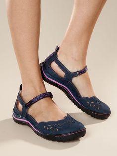 Women's Jambu Deep Sea Mary Janes Love these shoes! Cute Flats, Cute Shoes, Me Too Shoes, Comfy Shoes, Comfortable Shoes, Casual Shoes, Pretty Shoes, Beautiful Shoes, Shoe Boots