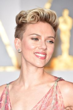 Makeup, Beauty, Hair & Skin | See Scarlett Johansson's Edgy Oscars Hairstyle From Every Stunning Angle | POPSUGAR Beauty Photo 3