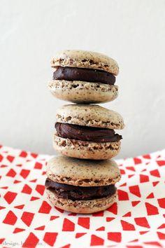 Tea Recipe: Earl Grey Tea French Macarons with Milk Chocolate Ganache via design. bake. run.
