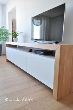 Tv skrinka - unit decor Ideas Tv skrinka - Jule H. Tv Cabinet Design, Tv Unit Design, Tv Wall Design, Design Case, House Design, Room Interior, Interior Design Living Room, Living Room Designs, Tv Unit Furniture