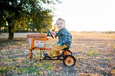 children's photos, 2 year old boy photos, jacksonville nc photographer Cute Family Pictures, One Year Pictures, Boy Pictures, Boy Photos, Family Photos, Baby Boy Photography, Children Photography, Photography Poses, 2nd Birthday Photos