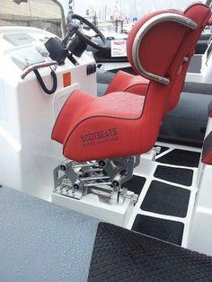 KPM-Marine/Scotseats full suspension jockey seat on view at Southampton Boat Show.