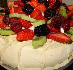 Torta bez čokolády a orechov. Pavlova - lahodný dezert ktorý prvýkrát pripravil v r. 1926 šéfkuchár hotela vo Wellingtone pre ruskú baletku Annu Pavlovu.