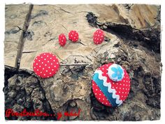 Red dots set handmade by Ponstruitos.  (Ring, earring, bobby pin and brooch)