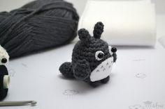 Patrón gratis Amigurumi Mini Totoro >> Amigurumi Totoro free crochet pattern