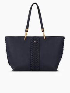 Discover Keri Medium Tote and shop online on CHLOE Official Website. 3S1247HB6