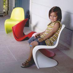 Друзья, детские стулья Panton Junior (Festa) от Verner Panton (Вернер Пантон) готовы к отгрузке клиенту в Геленджик Стулья Panton Junior(Festa) в наличии Акция -15% Актуальная цена со скидкой - 2 890 руб. Цвета: глянец: белый, жёлтый, голубой, зелёный, чёрный, оранжевый. Матовый: чёрный, оранжевый, красный, зелёный, ДоставкаРоссия, Казахстан, Беларусь. Обращайтесь #pantonfesta #panton #festa #pantonfestachair #pantonchair #festachair #vernerpanton #vernerpantonchair #chairsale…