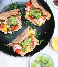 Lachstacos mit Mango & Avocado | whatinaloves.com