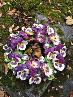 Majolica wreath decorated with majolica pansies Cemetery Pere Lachaise Paris… Ceramic Pottery, Ceramic Art, Clay Pinch Pots, Cemetery Statues, Cemetery Flowers, French Flowers, Garden Totems, Funeral Flowers, Ceramic Flowers