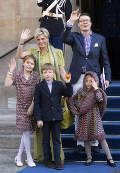 Prince Constantijn and Princess Laurentien of The Netherlands and their children (L-R) Eloise, Claus-Casimir and Leonore leave the Royals Palace after a brunch with King Willem Alexander and Queen Maxima of The Netherlands on 1 May 2013