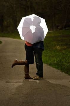 Cute couples photo. @belladelta you may have seen this, but this is really cute!