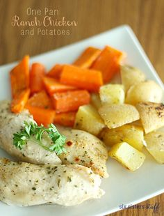 One Pan Ranch Chicken from Six Sisters' Stuff | You know what makes one pan recipes awesome? When the side dish is cooked in the same pan too! This One Pan Ranch Chicken and Potatoes is one of our must try family dinner recipes!