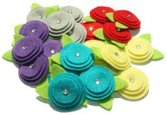 Cute and easy to make felt flowers. For hair accessories or clothes. Felt Diy, Felt Crafts, Crafts To Make, Fabric Crafts, Sewing Crafts, Diy Crafts, Felt Flowers, Diy Flowers, Fabric Flowers