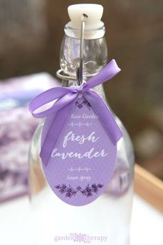 Lavender promotes relaxation and can help cure insomnia, so I've created a lavender pillow spray to help you sniff your way to a better night's sleep. Lavender Pillow Spray, Natural Cleaning Products, Household Products, Diy Products, Natural Products, Beauty Products, Linen Spray, Lavender Scent, Mouthwash