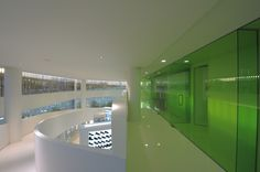 Exceptionnel Green Color Scheme Applied In Commercial Office Interior Design Ideas With  Luxurious Interior Design And White