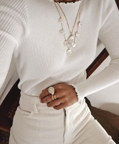 Jewellery & Silver jewellery & Necklace & Rings & White outfit & Spring outfit & Corduroy pants & White top & All white & Inspiration & More on Fashionchick The post Jewellery Look Fashion, Winter Fashion, Fashion Outfits, Womens Fashion, Fashion Trends, Fashion Hats, Fashion Clothes, Fashion Ideas, Girl Fashion