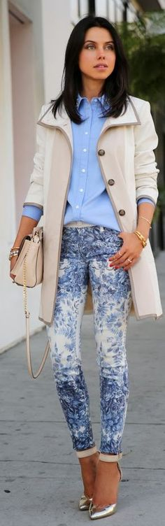 15 Voguish Outfit Ideas with the Trendy Printed Jeans